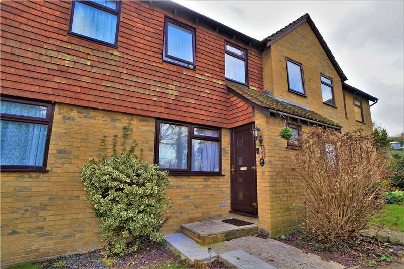 2 Bedrooms Terraced House for rent in Yalding Close, Rochester, Kent, ME2