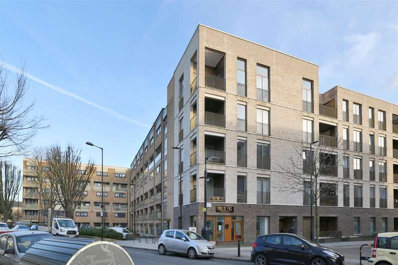 3 Bedrooms Flat for rent in Brownswood Road, N4