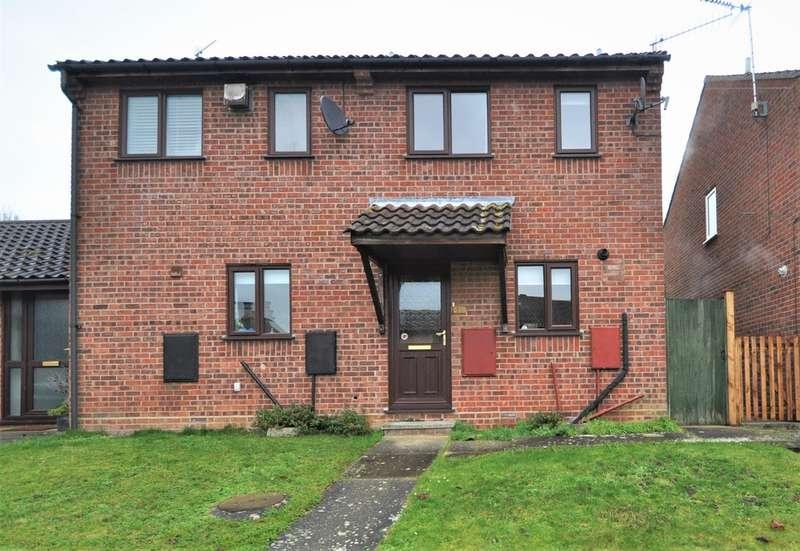 2 Bedrooms Semi Detached House for sale in Bramblewood Way, Halesworth