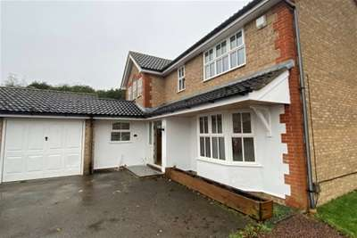 4 Bedrooms Detached House for rent in Bedgebury Close, Rochester