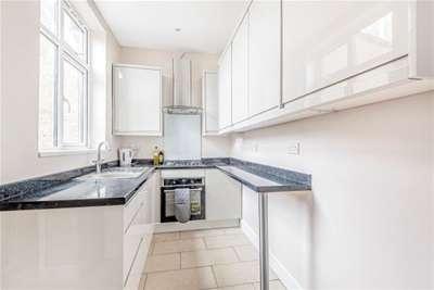 3 Bedrooms House for rent in Redbridge, IG4