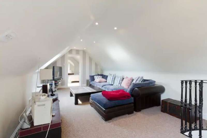 2 Bedrooms Barn Character Property for rent in Southend, Henley on Thames, RG9