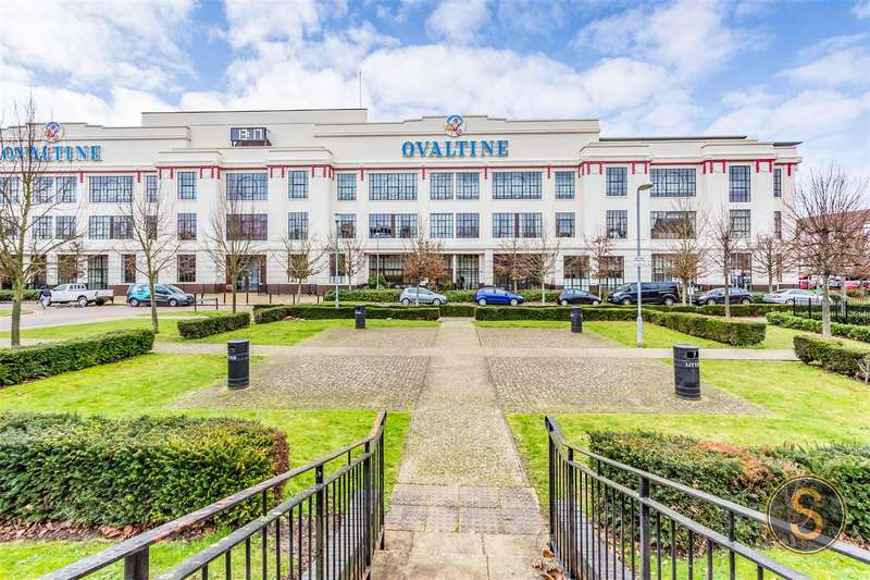 3 Bedrooms Apartment Flat for rent in Ovaltine Court, Kings Langley