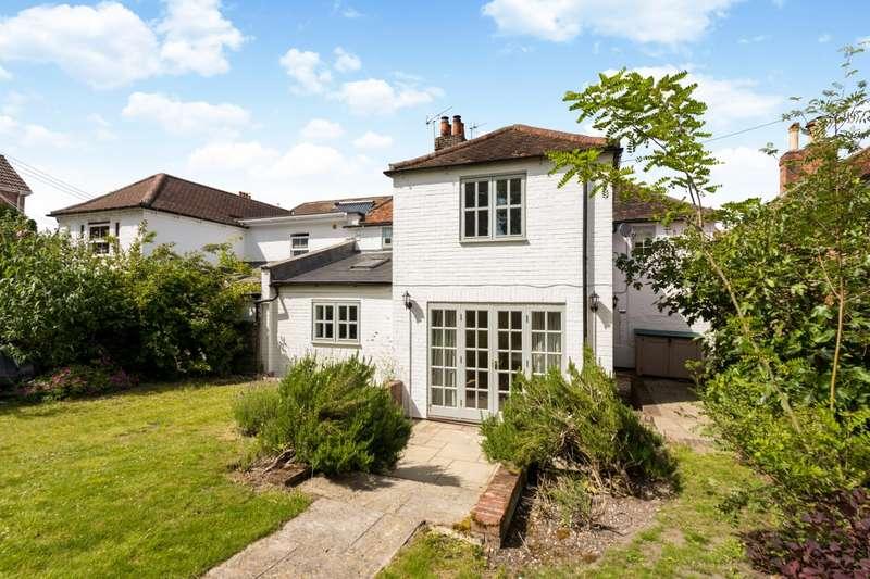 3 Bedrooms Terraced House for rent in High Street Kintbury RG17