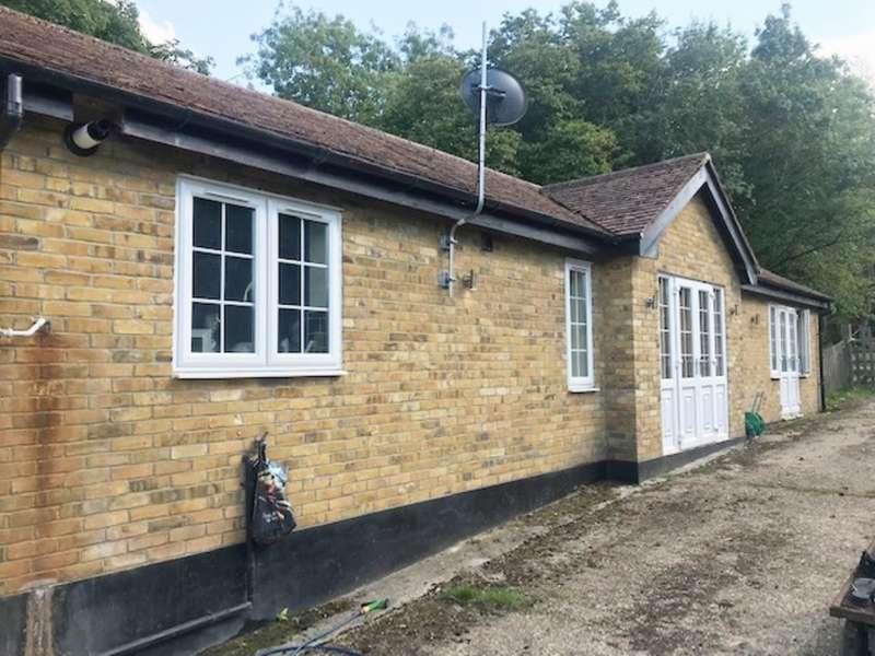 3 Bedrooms Detached Bungalow for rent in Andrews Lane, Cheshunt