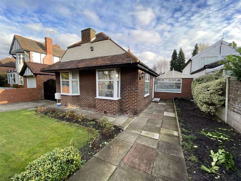 3 Bedrooms Detached Bungalow for sale in St Werburghs Road, Chorlton
