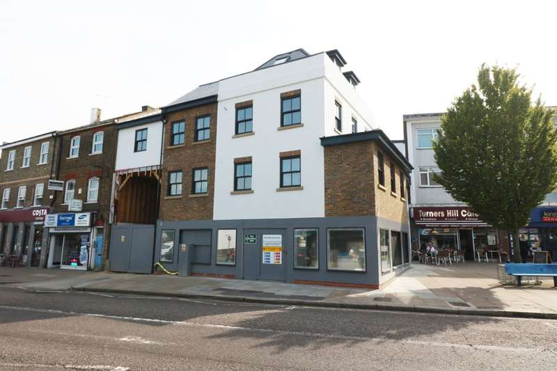 Commercial Property for rent in Turners Hill, Cheshunt, Waltham Cross, EN8