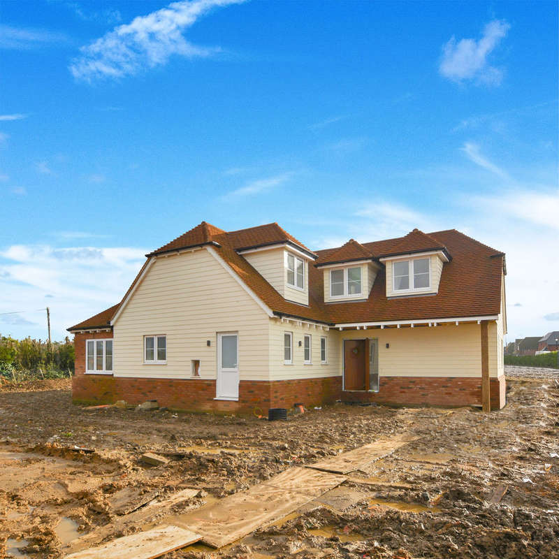 4 Bedrooms Detached House for sale in Faversham Road, Challock