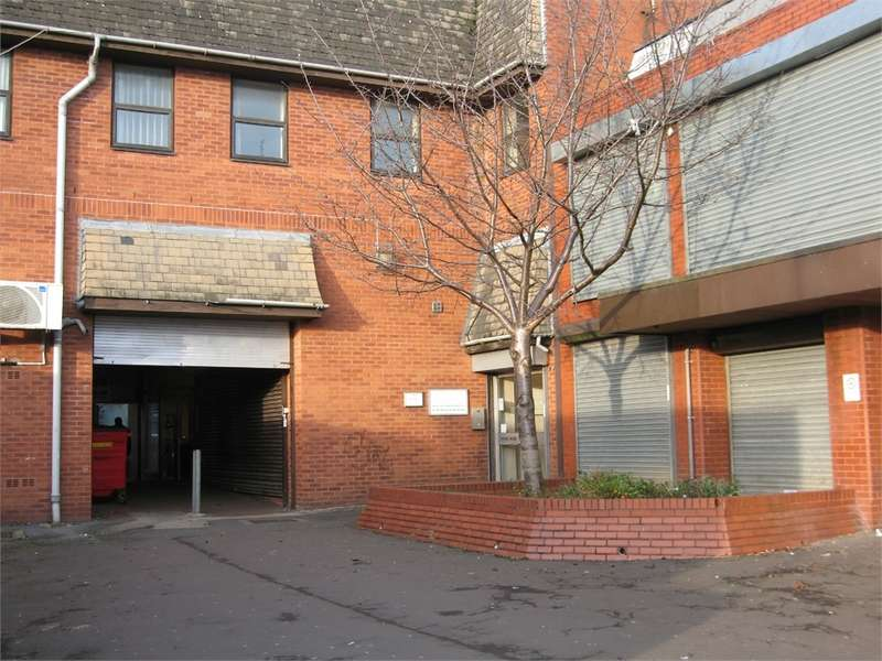 Commercial Property for rent in Long Street, Middleton, Manchester, Lancashire