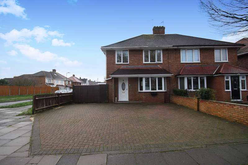 3 Bedrooms Property for sale in Townson Avenue, Northolt