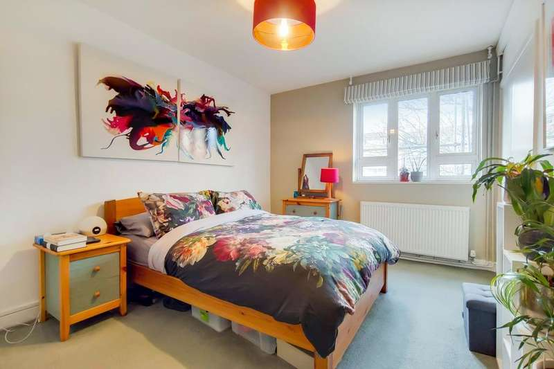 2 Bedrooms Flat for sale in Augustus Street, London NW1