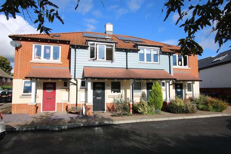2 Bedrooms Terraced House for sale in Berrys Lane, Byfleet, West Byfleet, KT14