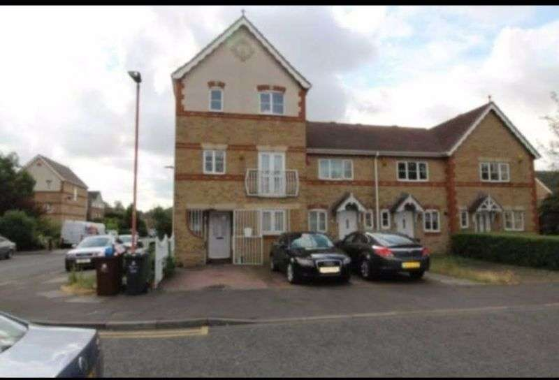 5 Bedrooms Property for sale in Stern Close, Barking