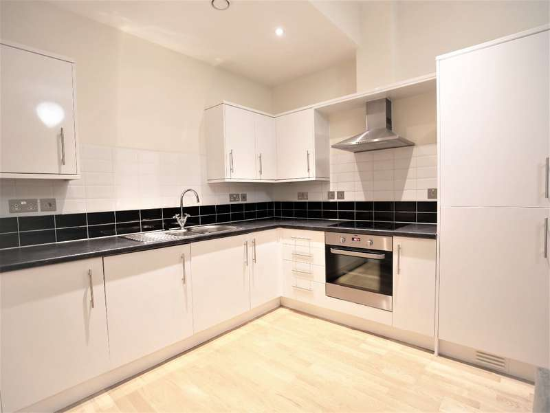3 Bedrooms Flat for rent in Axminster Road, London