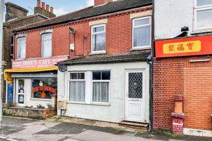 1 Bedroom Maisonette Flat for sale in High Street North, Dunstable, Bedfordshire