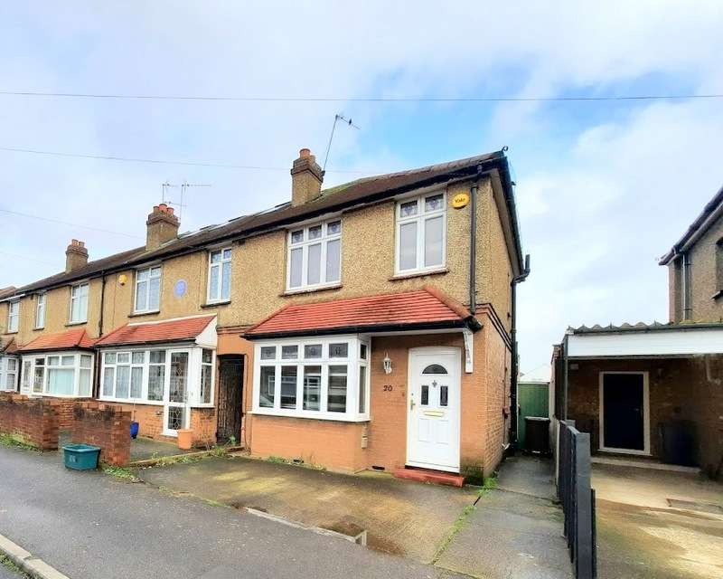 3 Bedrooms Property for sale in Gladstone Avenue, Feltham