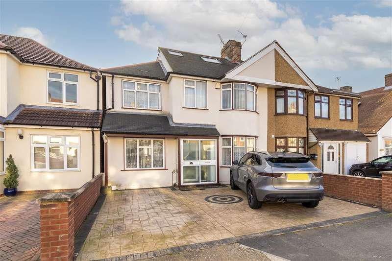 5 Bedrooms Semi Detached House for sale in Little Park Drive, Hanworth