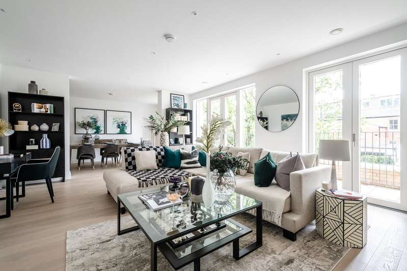 3 Bedrooms Flat for sale in Oakley Gardens, Childs Hill, London, NW2