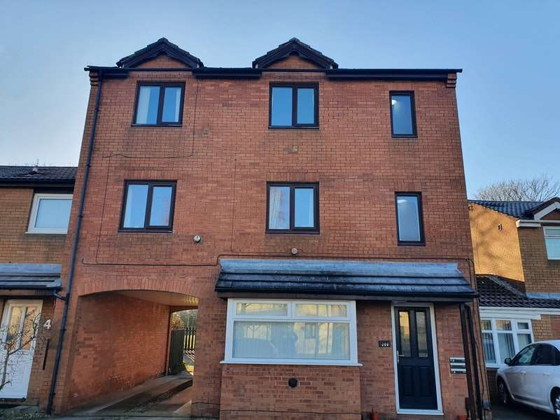 2 Bedrooms Flat for sale in Northpark, Billingham, County Durham, TS23
