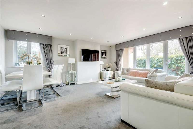 2 Bedrooms Apartment Flat for sale in Chigwell Heights, Manor Road, Essex, IG7