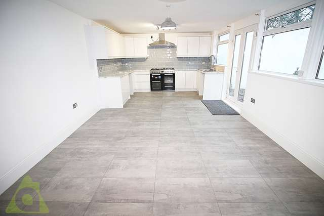 3 Bedrooms Semi Detached House for sale in Nugent Road, Great Lever, Bolton, BL3 3DE