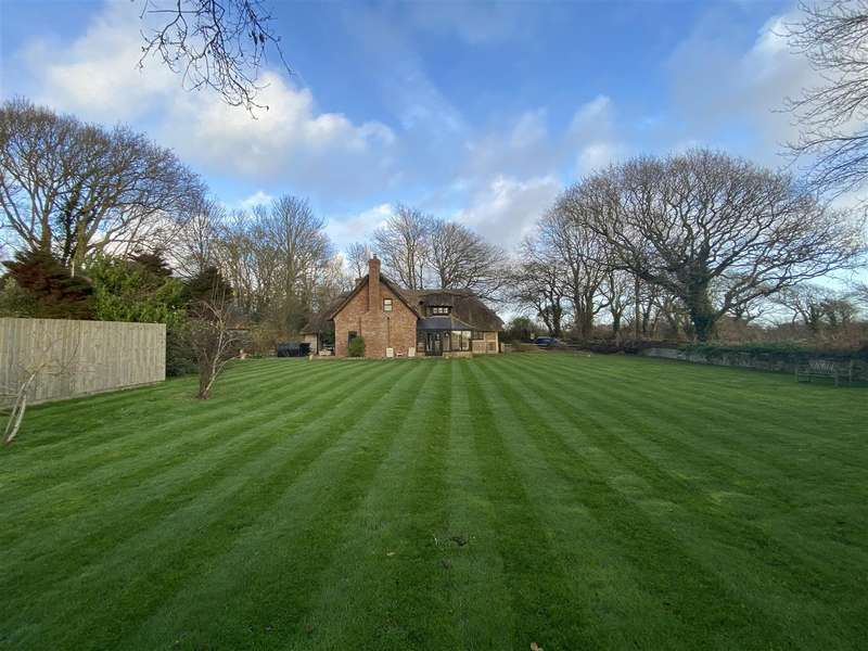 6 Bedrooms House for sale in Grevatts Lane, Climping, Littlehampton