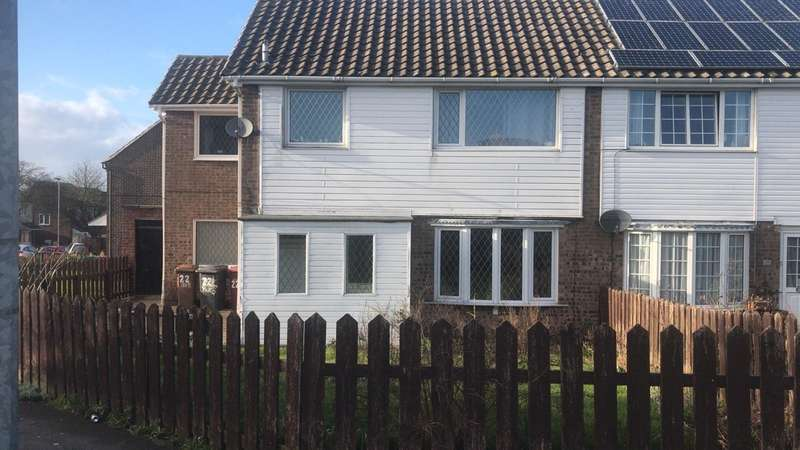4 Bedrooms Semi Detached House for sale in Yarborough Court, Barton-upon-Humber, DN18
