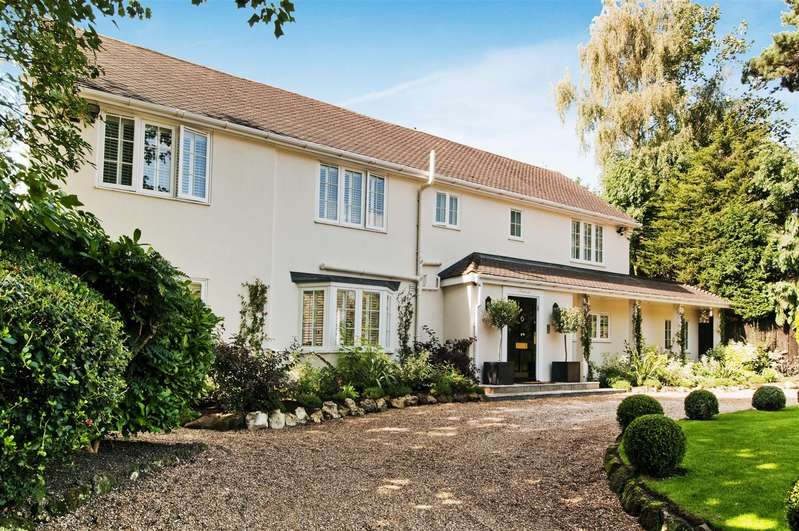 4 Bedrooms Detached House for sale in Back Lane, Letchmore Heath, Watford