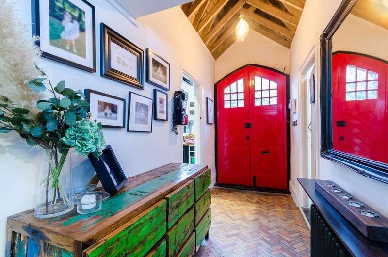 2 Bedrooms Maisonette Flat for sale in High Street, Carshalton, SM5
