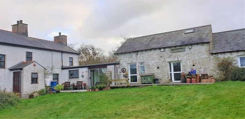 4 Bedrooms Detached House for sale in Penmaen, Llaneilian, Amlwch