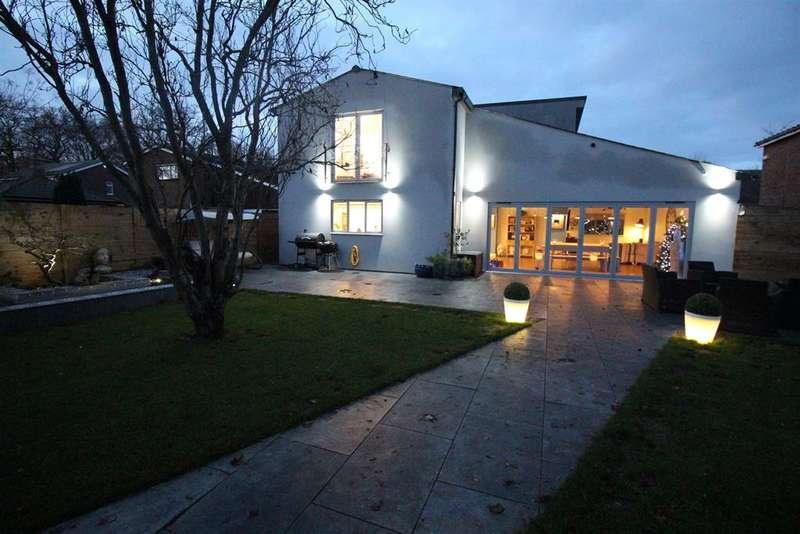 4 Bedrooms Detached House for sale in Whitney Drive, Stevenage, Hertfordshire, SG1 4BQ