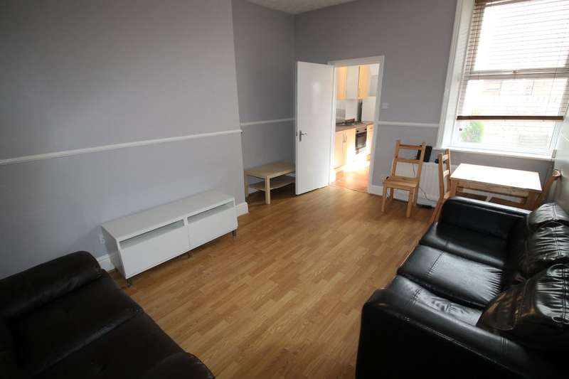 2 Bedrooms Flat for rent in Salters Road, Newcastle upon Tyne