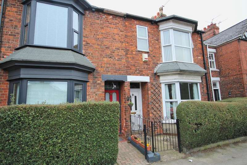 3 Bedrooms Semi Detached House for sale in Thwaite Street, Cottingham