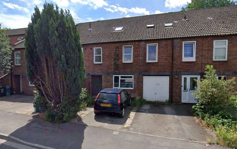 5 Bedrooms House for rent in Small Lane, Bristol, BS16