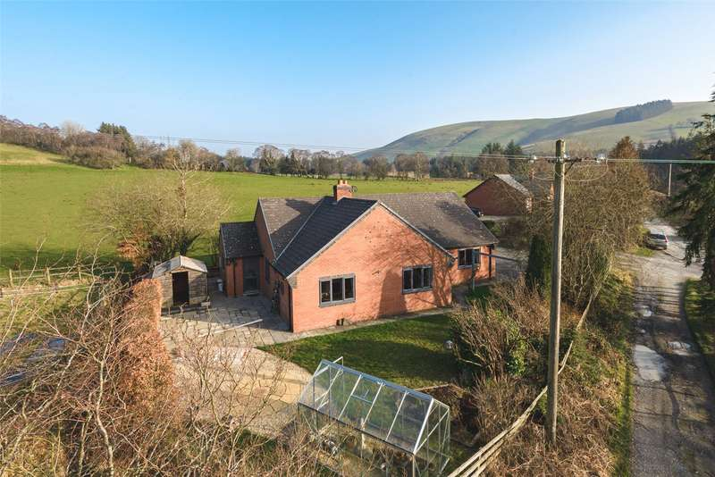 5 Bedrooms Detached Bungalow for sale in Cwmbelan, Llanidloes, Powys, SY18 6QF