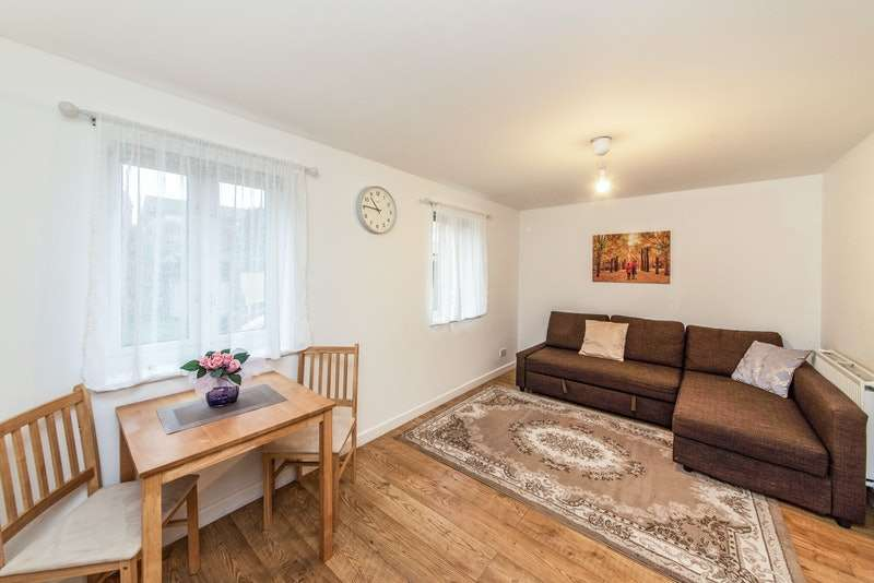 1 Bedroom Flat for sale in Amber Grove, London, London, NW2
