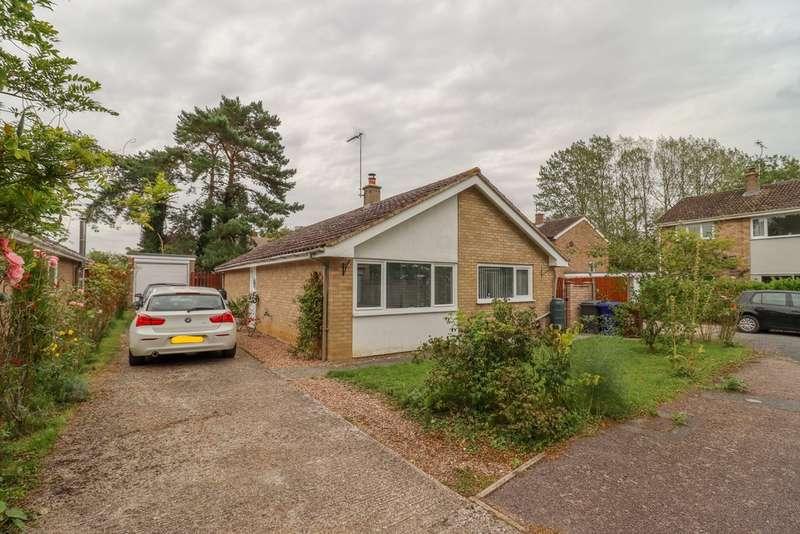 3 Bedrooms Detached Bungalow for sale in Clarendale, Great Bradley