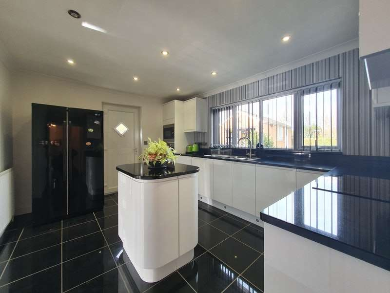 3 Bedrooms Detached House for sale in Middlefield Lane, Market Rasen, Lincolnshire, LN8