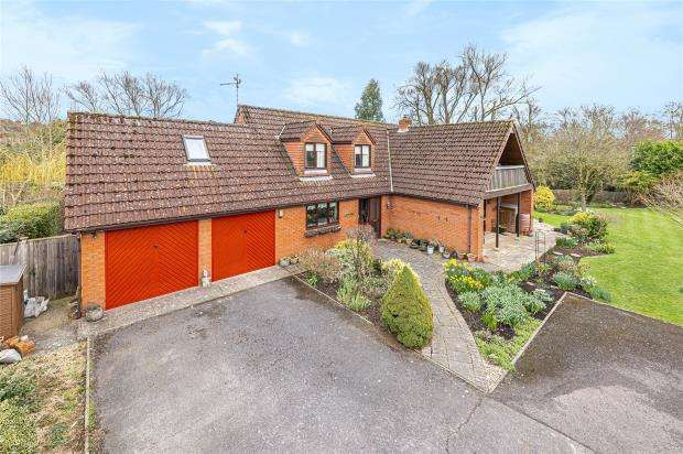 4 Bedrooms Detached House for sale in Mountfields Avenue, Taunton, Somerset