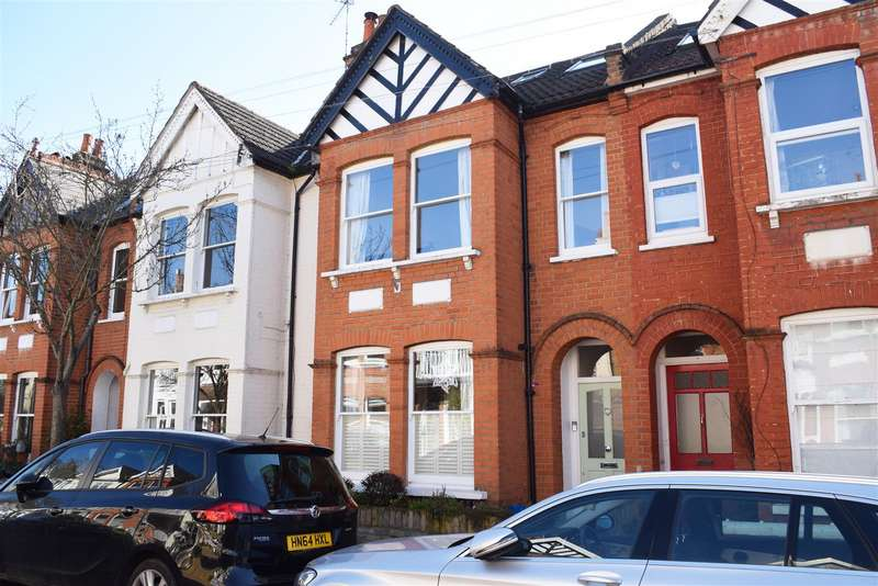 5 Bedrooms Terraced House for sale in Napoleon Road, St Margarets Village