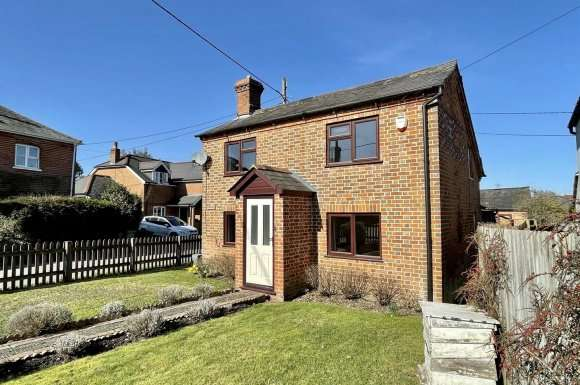 2 Bedrooms Property for sale in Pamber Road, Charter Alley, Tadley