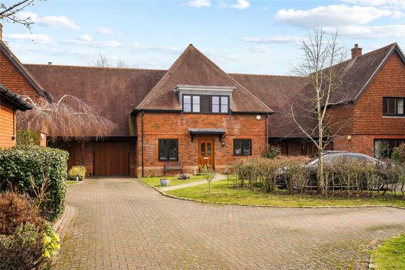 4 Bedrooms Terraced House for sale in Summer Close, Byfleet, West Byfleet, Surrey, KT14