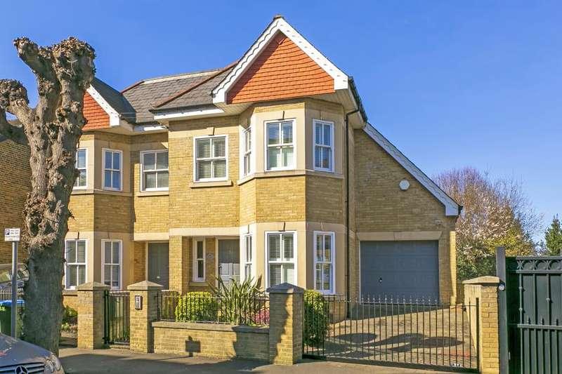 4 Bedrooms Semi Detached House for sale in Feltham Avenue, Hampton Court, KT8