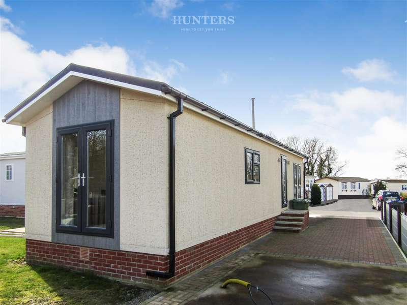 2 Bedrooms Mobile Home for sale in Harpswell Hill Park, Hemswell, Gainsborough, DN21 5UT
