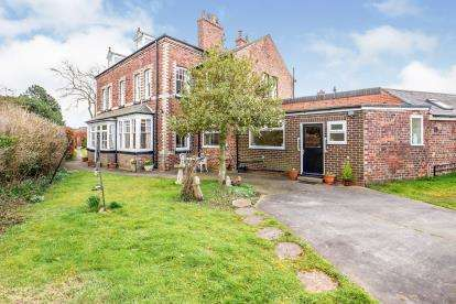 4 Bedrooms Semi Detached House for sale in Albert Road, Eaglescliffe, Stockton-On-Tees