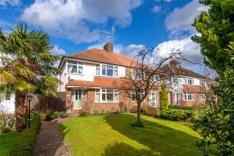4 Bedrooms Semi Detached House for sale in Kings Cross Lane, South Nutfield, Redhill, RH1
