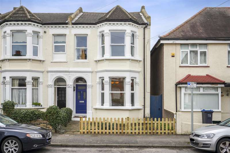 3 Bedrooms Semi Detached House for sale in Chestnut Road, Raynes Park