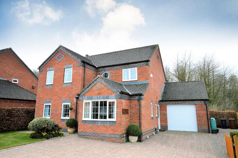 4 Bedrooms Detached House for sale in Artillery Road, Park Hall, Oswestry, Shropshire, SY11