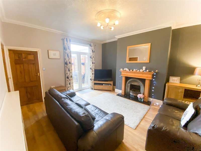 3 Bedrooms End Of Terrace House for sale in Stanley Street, Leyland