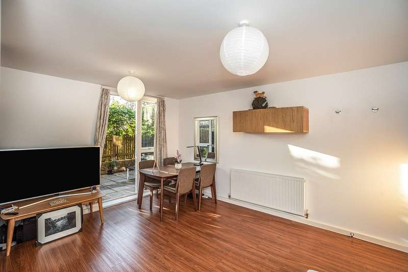 1 Bedroom Apartment Flat for sale in Kitchener House, Ashmore Road, London, SE18